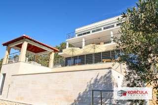 Vila s 5 zvjezdica s privatnom plažom, saunom, bazenom i parkom