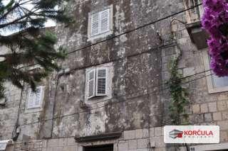 Dvoetažni stan u centru grada Korčule (projekt renovacije)