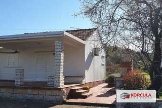 Ground floor house with spacious yard and garden