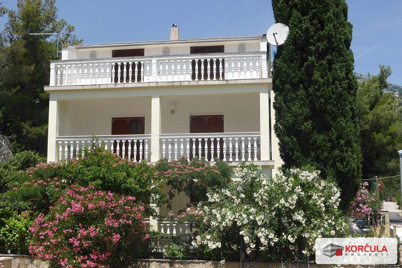 Spacious house with garden and near the beach