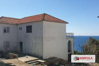 Renovation project on an excellent location - the southern side of the island