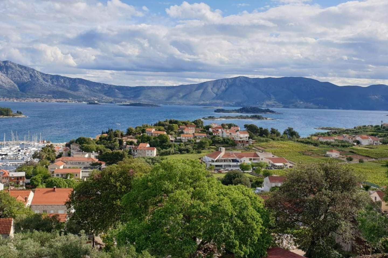 Zemljište u Lumbardi s prekrasnim pogledom na more i mjesto
