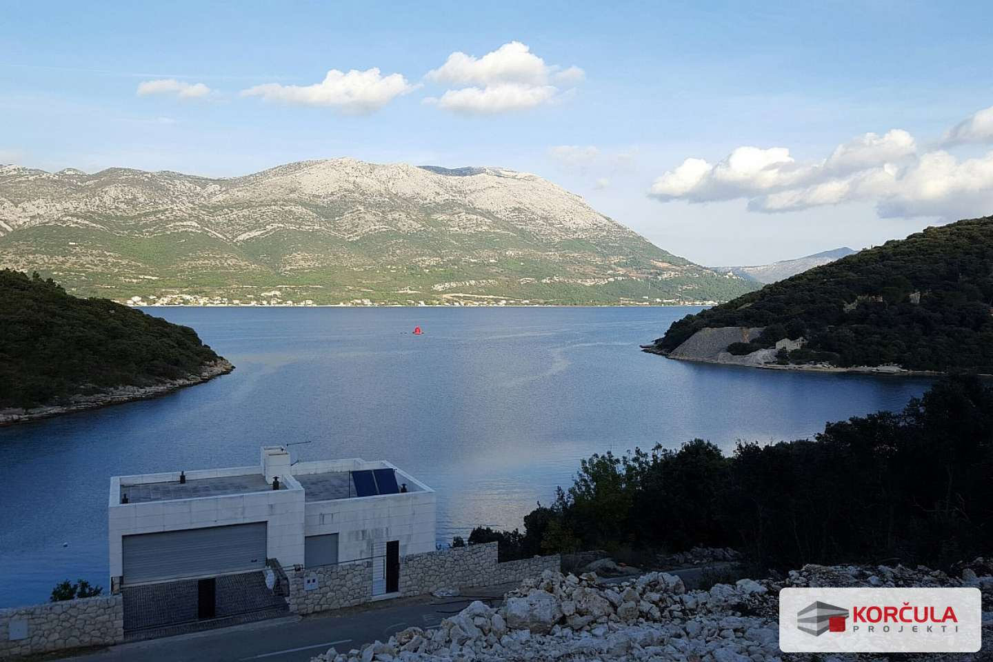 Nice building plot in a beautiful quiet bay