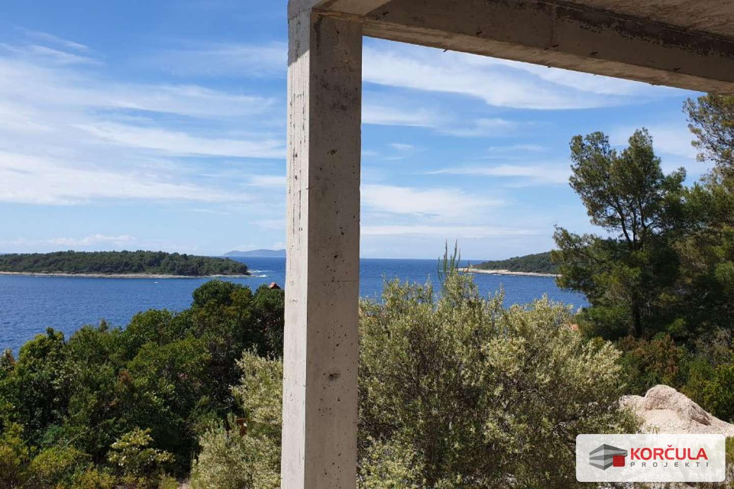 Excellent location in a quiet bay near Vela Luka