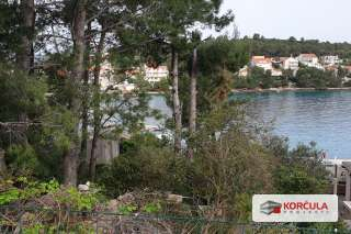 Building land near the sea and with the view of the stunning island of Vrnik