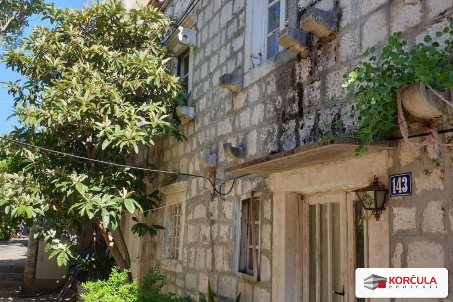 Old stone house near the sea - renovation project