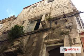 Unique opportunity: Three old houses in the center of Korčula old town (renovation project)