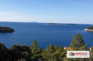 BUILDING LAND, OVERLOOKING CHARMING ISLETS WITH AMAZING SEAVIEW, LOCATED ON THE SOUTHERN COAST OF KORČULA ISLAND
