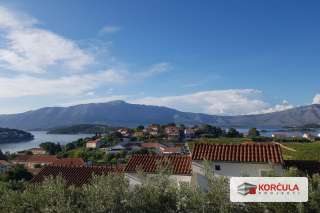 House with panoramic views of the vineyards and the sea – excellent location near Korčula town