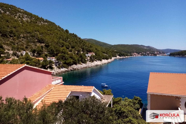 Građevinsko zemljište na Prižbi sa osiguranim pristupom moru i spektakularnim pogledom na 1 polutok i 5 otočića