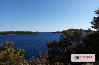 Building land, 30 meters from the sea, southern part of the island of Korčula, overlooking the sea and to the islands of Palagruža and Lastovo