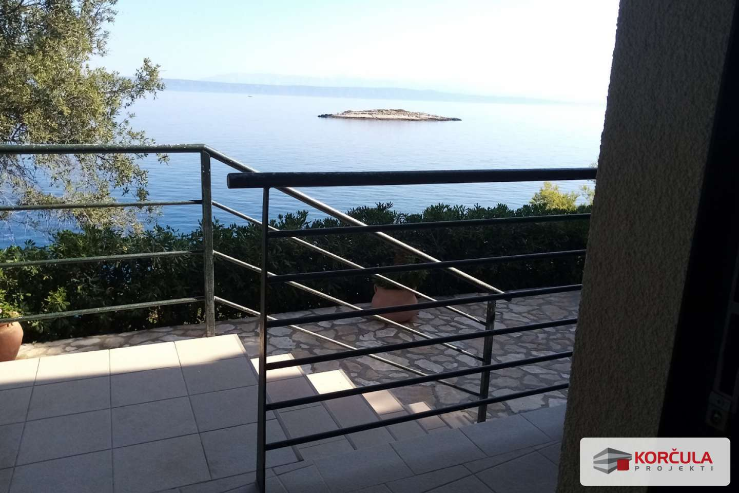 One-bedroom apartment on the ground floor with a beautiful garden and additional facilities available, overlooking Hvar channel
