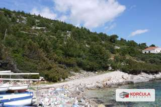 Attractive building plots, first row to the sea, quiet bay in the western part of the island Korčula