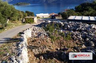 Building land near town Korčula, sea access arranged, project documentation provided