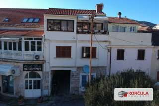 Three storey house in the heart of Vela Luka, close proximity to city park
