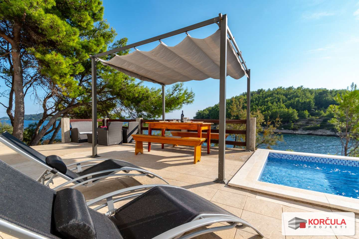 Perfect combination of building land and  charming house, first row to the sea, southern coast of the island of Korčula