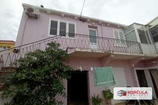 Obiteljska kuća nedaleko od centra, potrebna manja renovacija